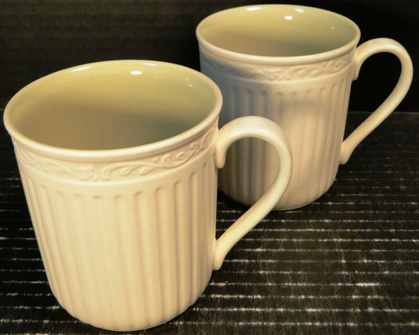 Mikasa Italian Sage Coffee Tea Cups Mugs DD911 White Green Set of 2 | DR Vintage Dinnerware and Replacements