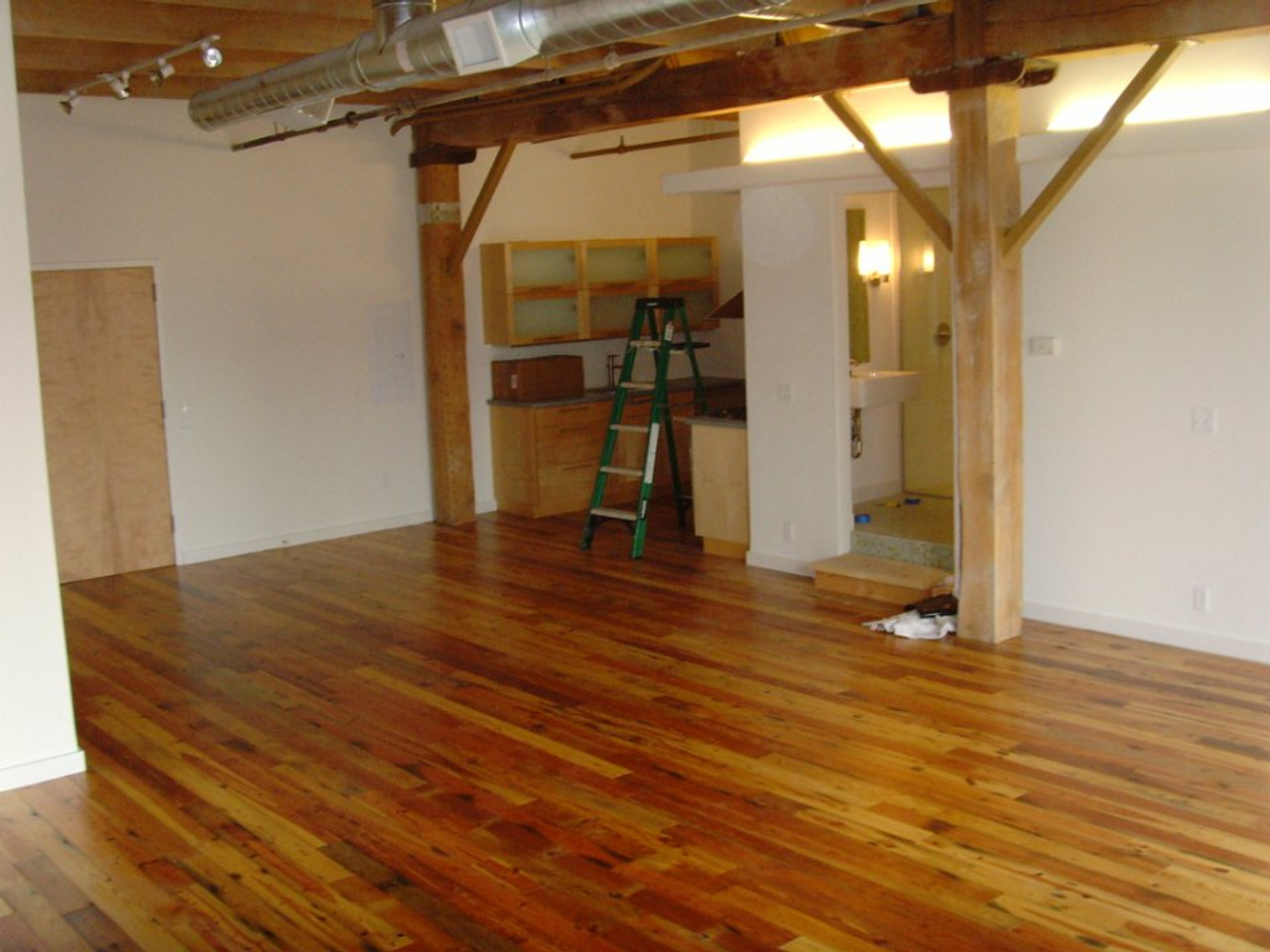 SealGreen E10 Epoxy Sealer is used as a humidity barrier for wood floors over concrete