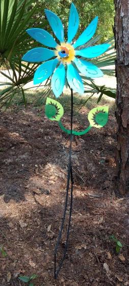 Kinetic Metal Yard Art Garden Flower Motion Spinner
