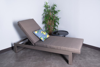 TLS1704 Outdoor Chaise Lounge in Maple