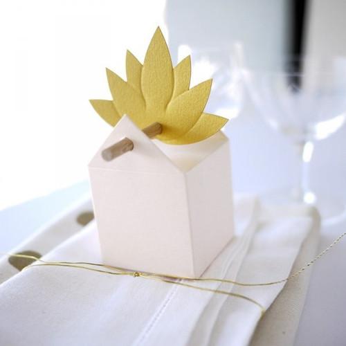 Lotus Blume Etikett
