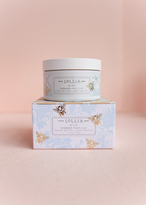 Warm Vanilla Bean and Rice Flower delicately frosted with sugared pastille. Jasmine Leaves sweetened with Sugar Cane. Comforting Ylang Ylang and the sheerest of Amber Woods complete the scene, creating the most luxurious of fragrant escapes.
