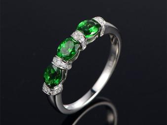 3 Stones Oval Tsavorite Diamond Wedding Band Anniversary Ring 14K White Gold 4x5mm