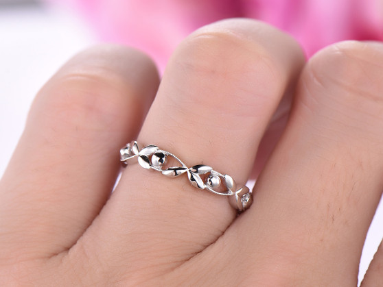 Reserved for Jen: Plain 14K White Gold Wedding Band Eternity Vine Ring