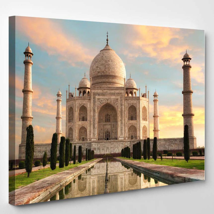 The Magnificent Taj Mahal In India Shows Its Full Splendor At A Glorious Sunrise With Pastel Colored Sky - Landscape Canvas Art Print