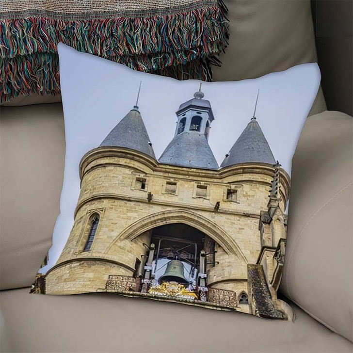35 Meters Bordeaux Cailhau Gate Porte - Landmarks and Monuments Throw Pillow