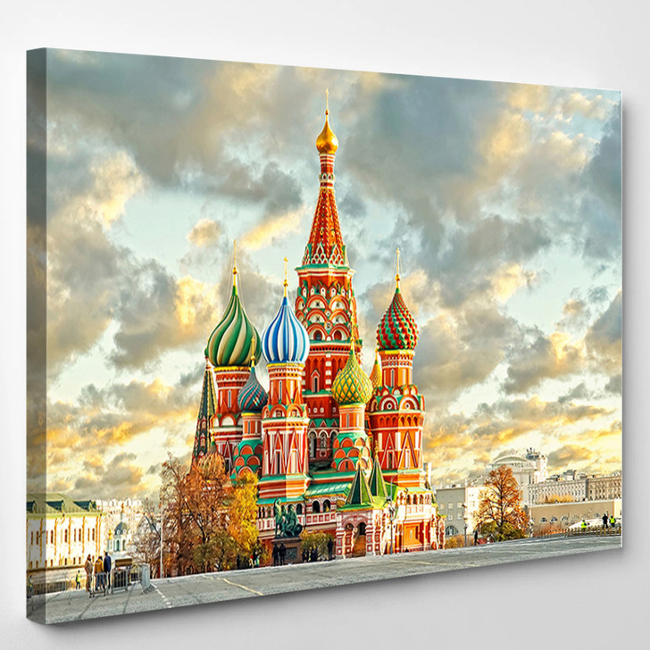 Moscow Russia Red Square View Of St Basils Cathedral - Landscape Canvas Art Print