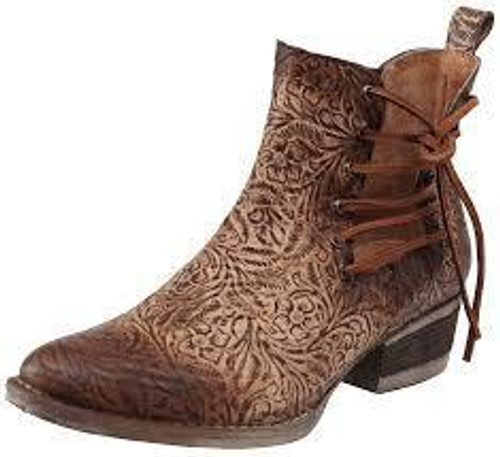 LD BROWN ENGRAVED & LACES ROUND TOE ANKLE BOOT Q5004