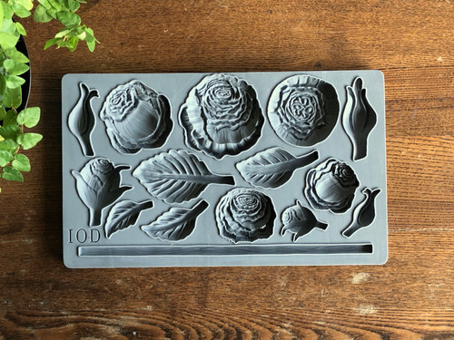 Heirloom Roses Decor Moulds