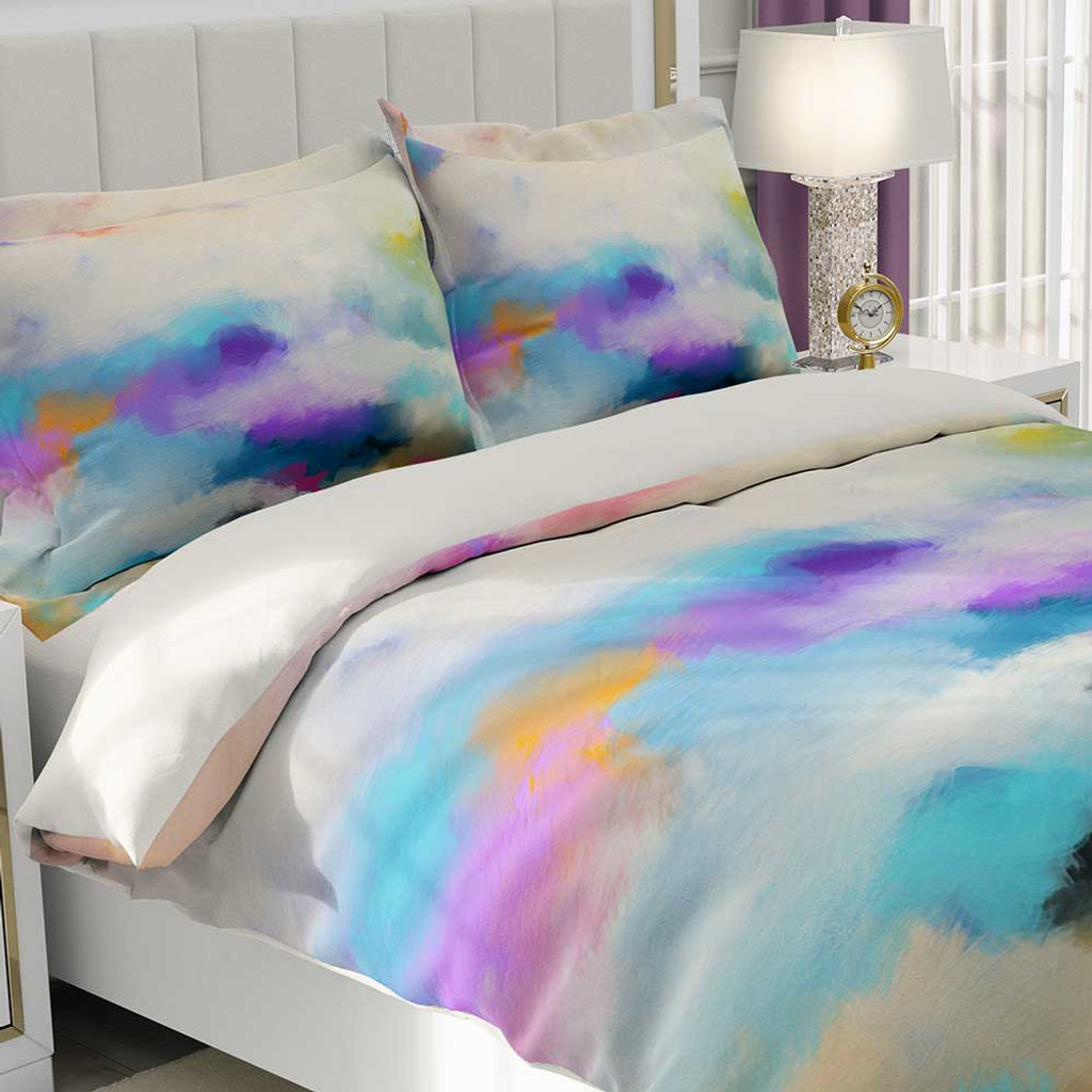 comforter cover with abstract design by Julia Bars