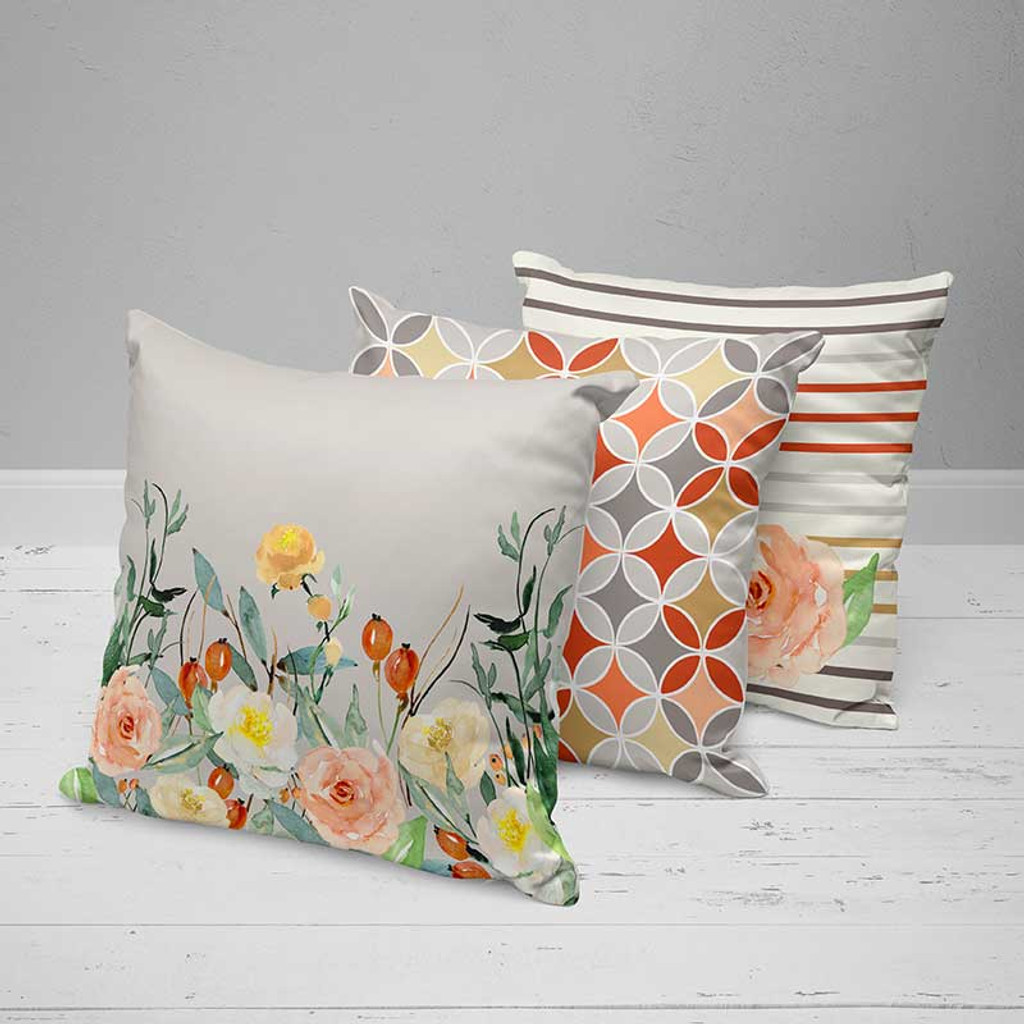Original decorative pillows, floral pattern by Julia Bars