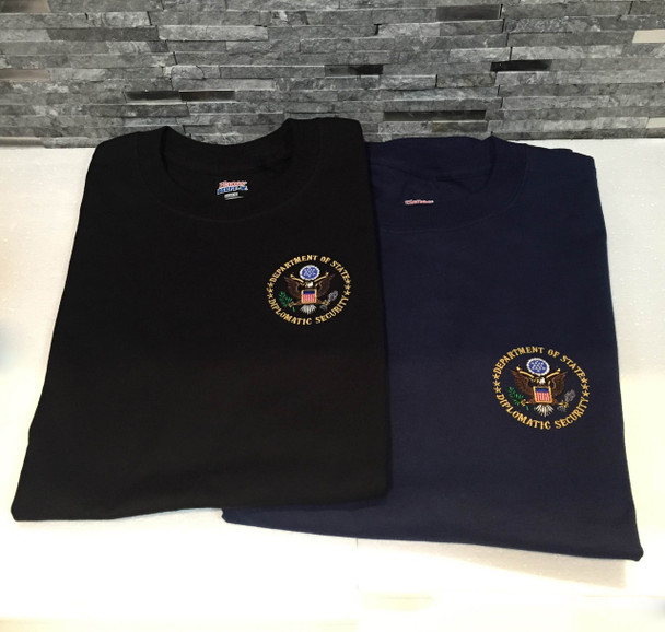 T- Shirt / Embroiderd Diplomatic Logo