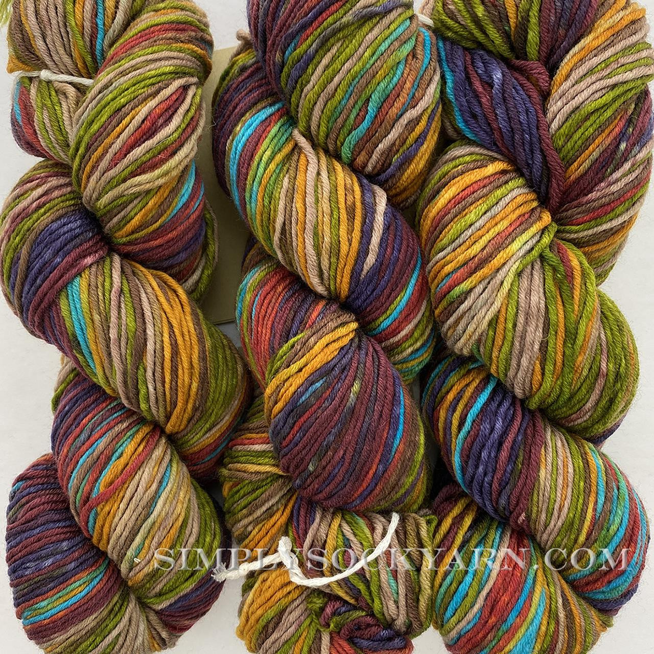 Urth Uneek Worsted 4002 -