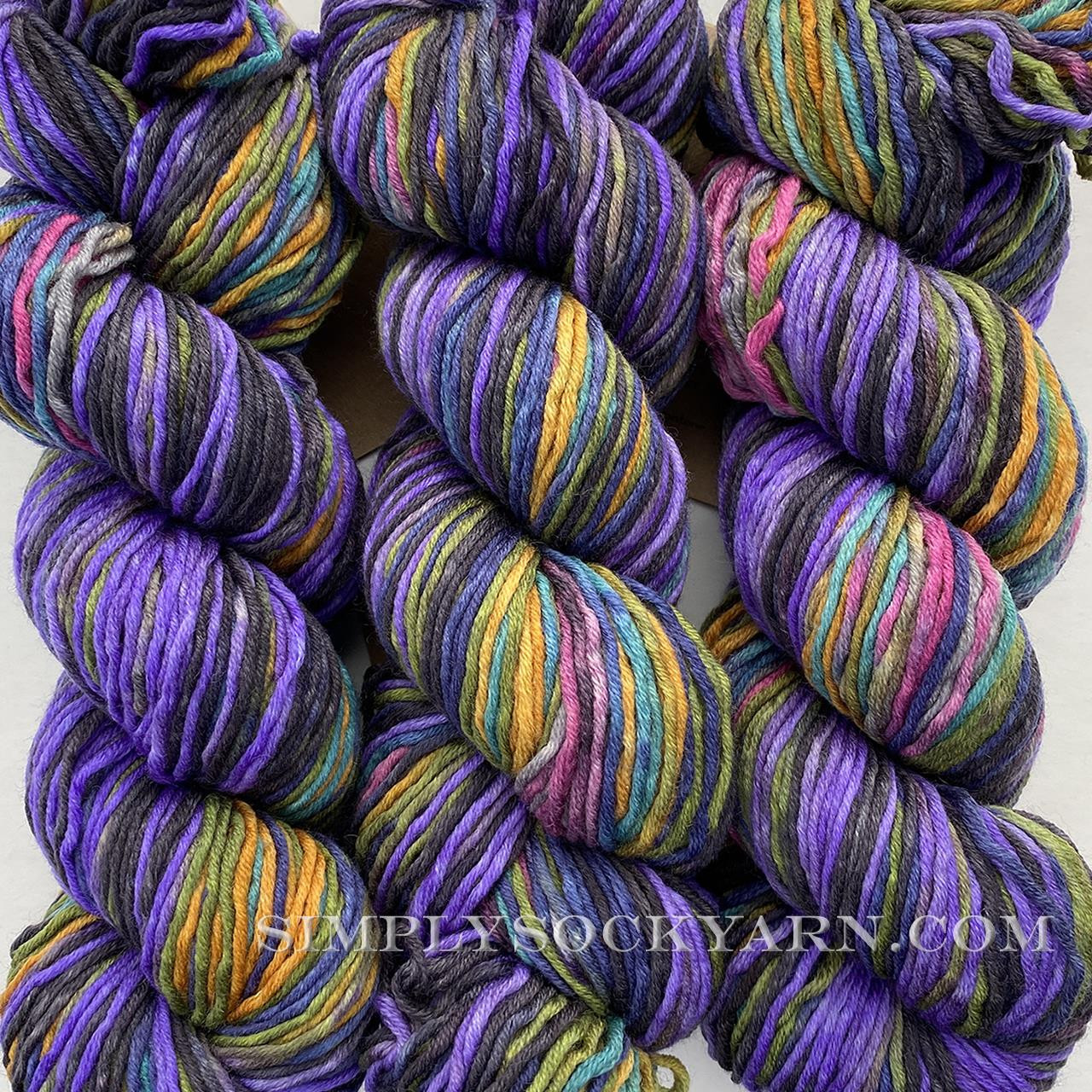 Urth Uneek Worsted 4022 -