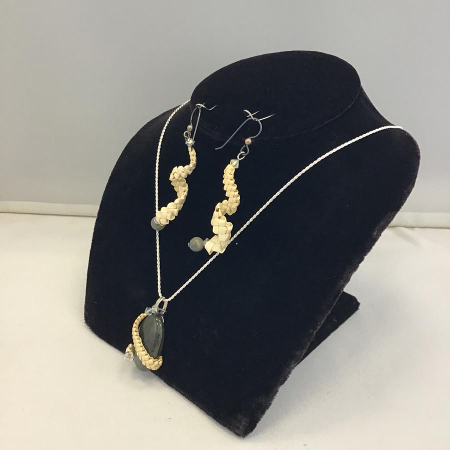 Laborite & Beargrass Necklace Set
