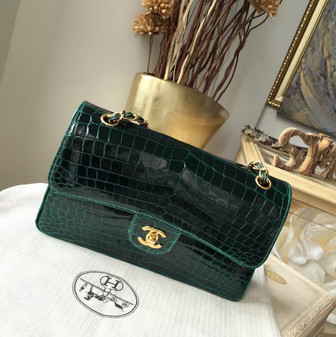 Chanel Alligator Skin Classic Flap 25cm Bag Gold Hardware Spring/Summer 2018 Collection, Emerald Green