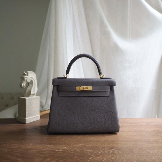 Hermes Kelly 28cm Bag Togo Calfskin Leather Gold Hardware, Gris Etain 8F