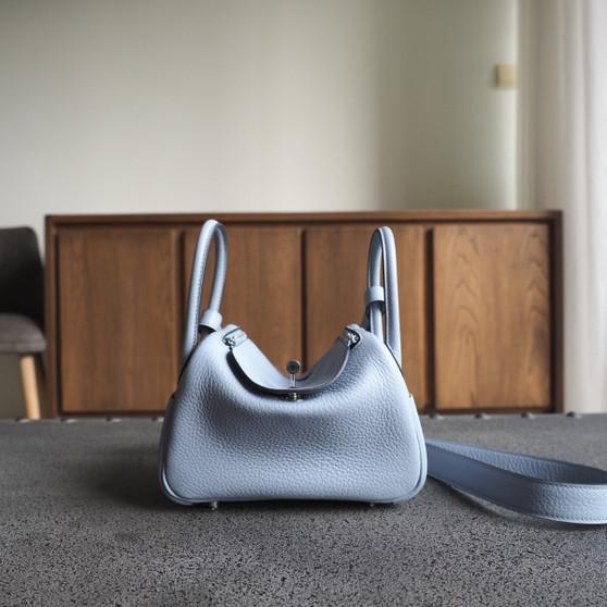 Hermes Mini Lindy 19 Bag Taurillon Clemence Leather Palladium Hardware, J7