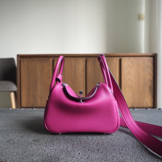 Hermes Mini Lindy 19 Bag Taurillon Clemence Leather Palladium Hardware, L3