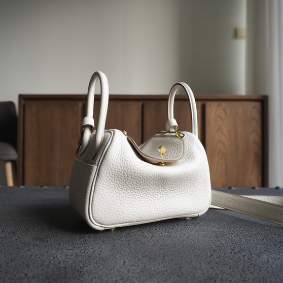Hermes Mini Lindy 19 Bag Taurillon Clemence Leather Gold Hardware, CC10