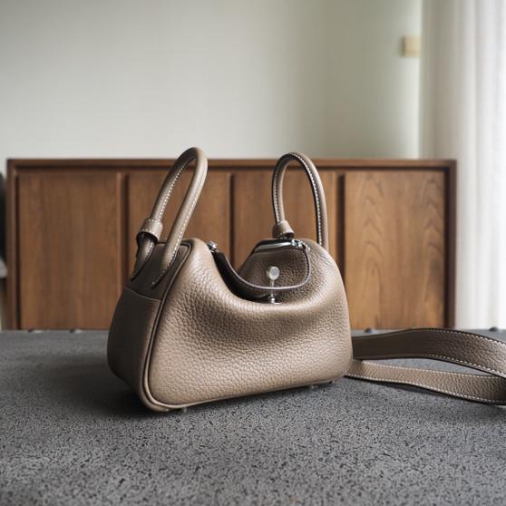 Hermes Mini Lindy  19 Bag Taurillon Clemence Leather Palladium Hardware, CK18