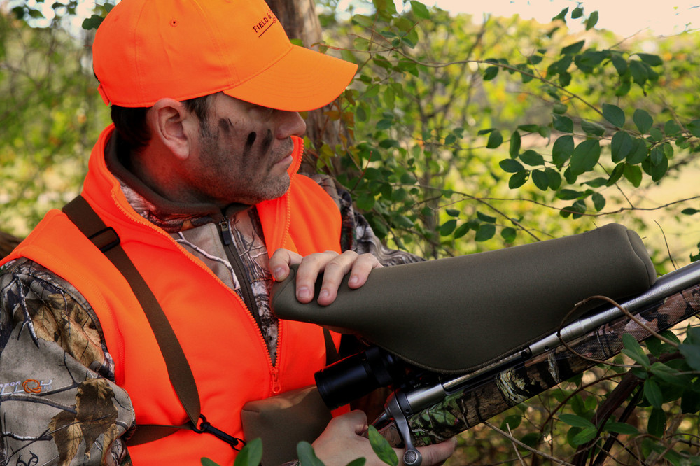 SENTRY Scopecoat® can be removed quietly and easily when using it in the field.