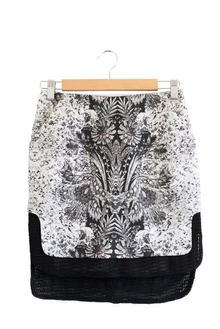 Honey and Beau Black and White Floral Asymmetric Skirt Preloved