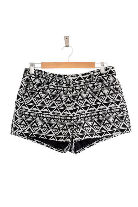 Forever 21 Black and White Geometric Print Shorts Preloved