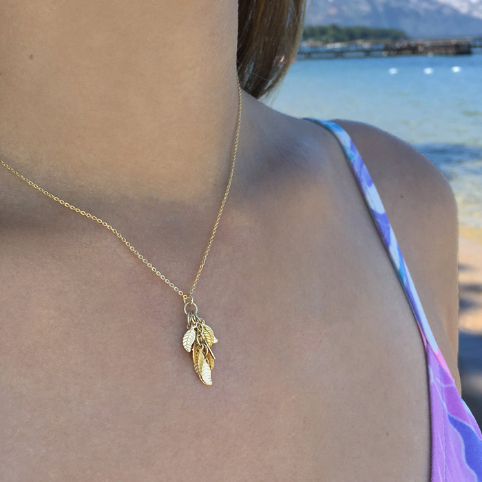 Gold Leaves Necklace - Small