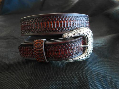 Snakeskin printed leather belt for ladies.