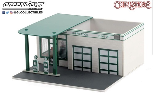 "1:64 Mechanic's Corner Series 7 - Vintage Gas Station ""Mobico - Christine"""