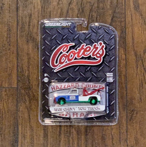 Greenie- 1:64 Cooter's Tow Truck