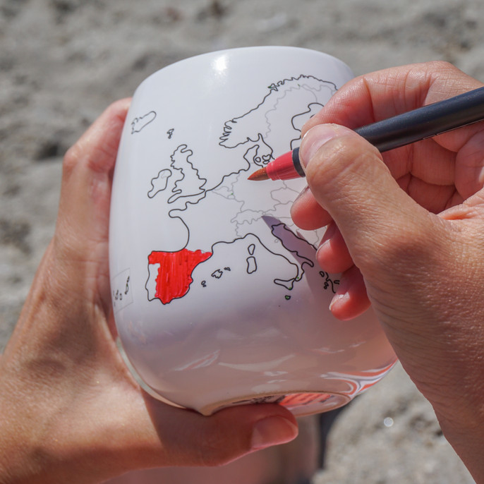 Add some red to your map! Trouvaille™ Travel the World. Colour the World.