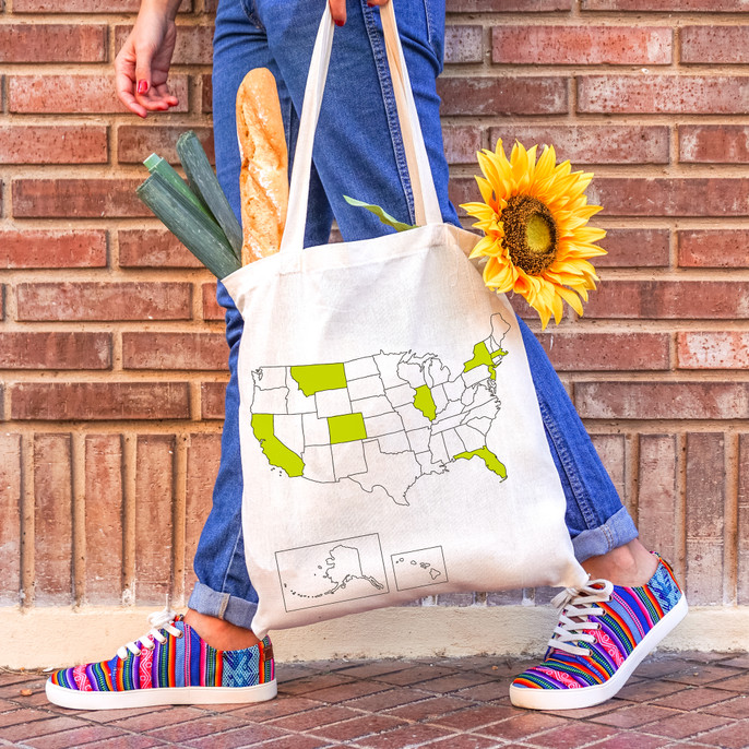 USATOTE high quality 100% cotton tote bag with USA map and colouring textile pen.  Made in Europe.  Registered design by Trouvaille™  Travel the World. Colour the World.