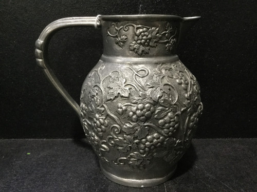 Beautifully Crafted 95% Pewter Jug - 16cm Tall