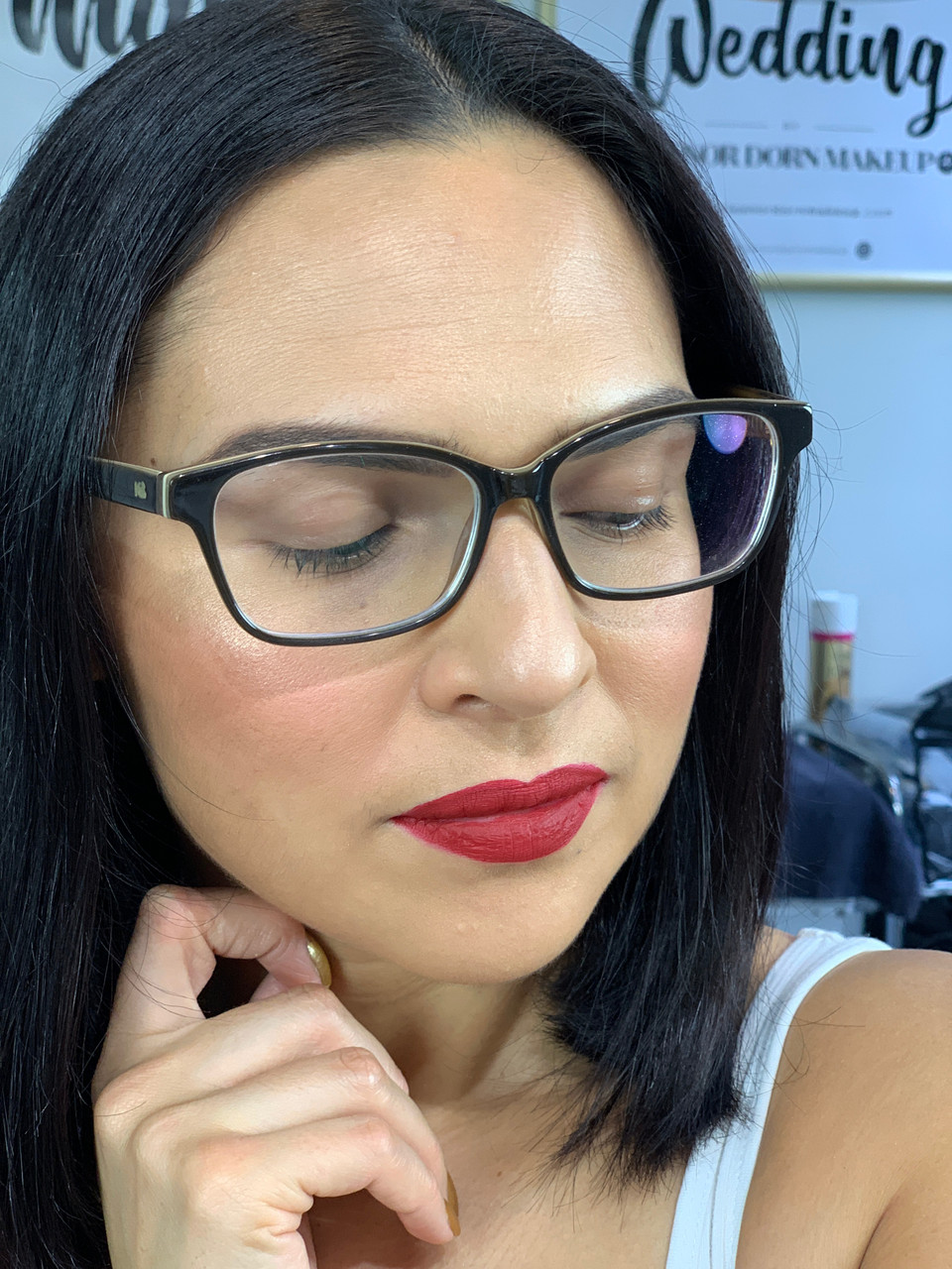 FRIDAY GLAM SESSION: Bold red & glowing skin