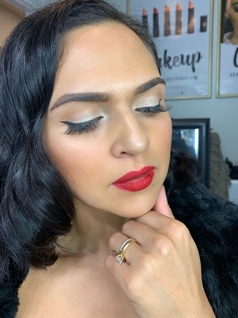 Friday glam session: Screen siren glamour