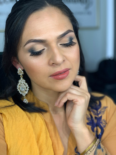 FRIDAY GLAM SESSION: Bollywood inspired