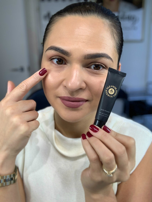 TIP TUESDAY : How to get long lasting eyeshadow with an Eye Primer