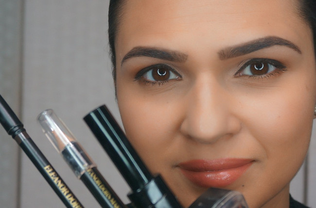 HOW TO: Define your eyebrows