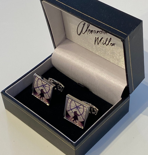 Time for Romance cufflinks portray an image of the painting by Alexander Millar.