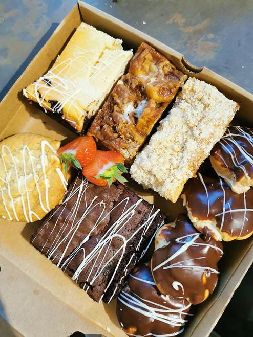 Cheesecake Extras Box