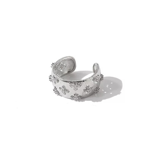Hollow Diamond Detail Ring