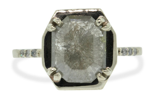 AIRA Ring in White Gold with 1.70 Carat Gray Diamond