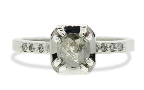 AIRA Ring in White Gold with .56 Carat Gray Diamond