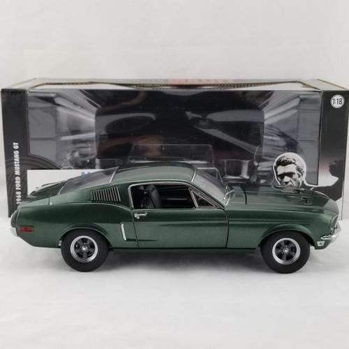 Model Car - 1:18 Bullitt Steve Mcqueen Ford 1968 Mustang Green Light
