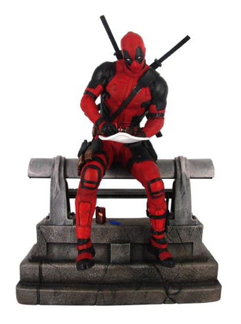 Deadpool Premier Collection Diamond Select Statue