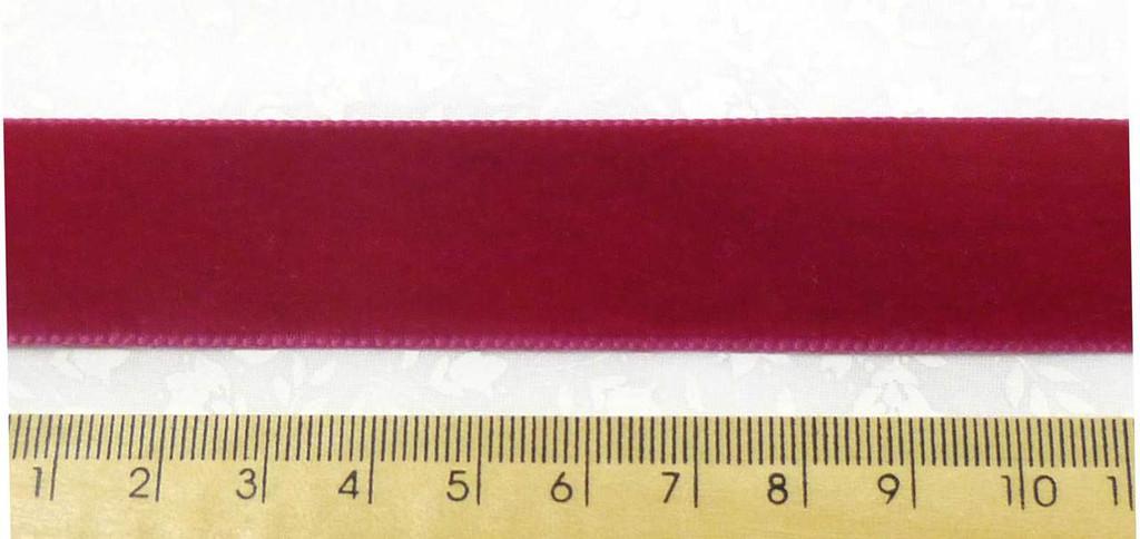Berisford Velvet Ribbon 22mm - Victorian Velvet