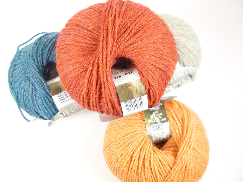 Adriafil Sierra Andina Alpaca DK Knitting Yarn - Collection of Balls, 2nd image