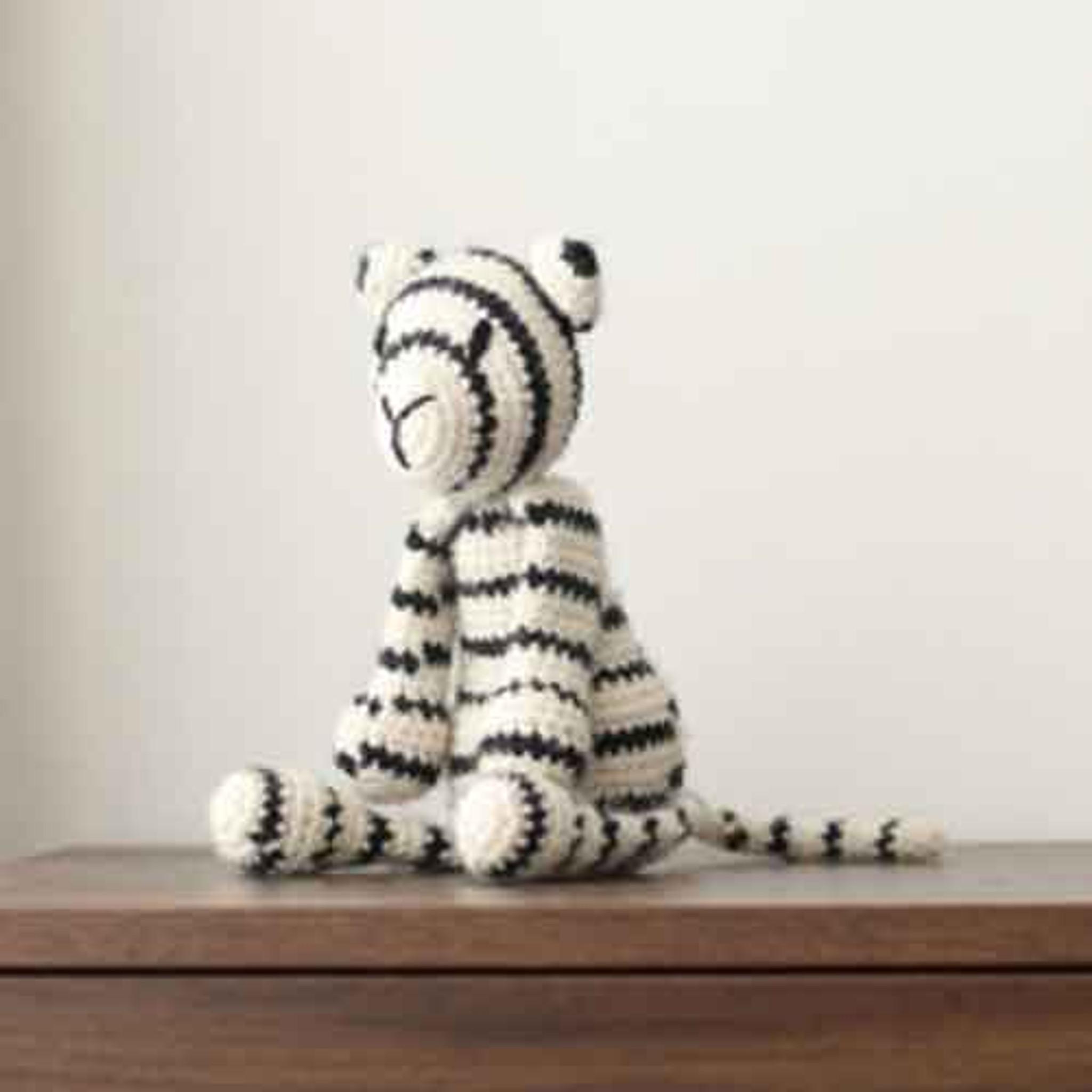 Darling White Tiger Crochet Pattern pattern by Teri Crews ... | 2048x2048